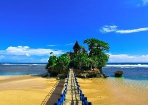 pantai balekambang, pantai terindah di Indonesia, pantai di Indonesia, tempat wisata terindah di indonesia