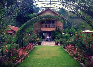 resort kebun mawar, kampung sumber alam garut
