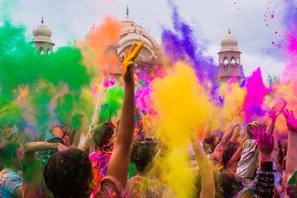 holi festival, paket wisata murah, wisata jogja, wisata yogyakarta, wisata di yogyakarta, wisata di jogja