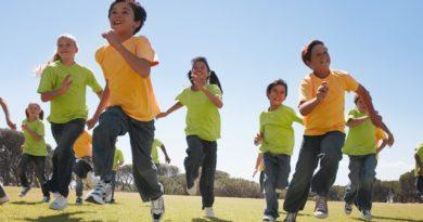 Mengenalkan anak berolahraga