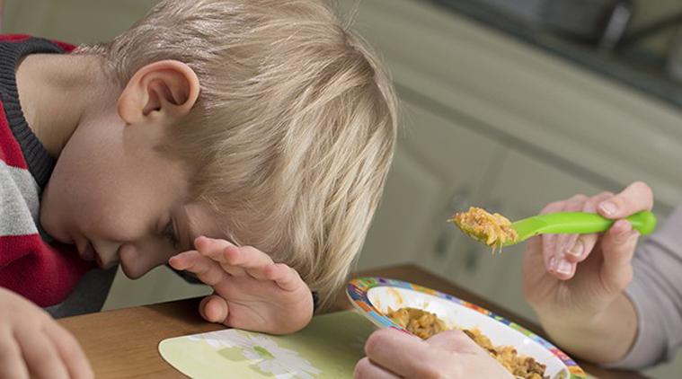 dampak negatif memaksa anak makan