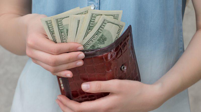 orang tua dan uang